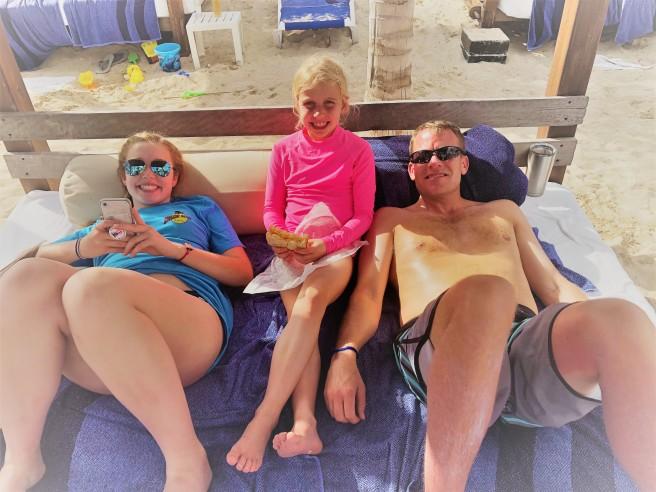 3.11.18 Playa_Azul Fives_Beach Cabanas (2)