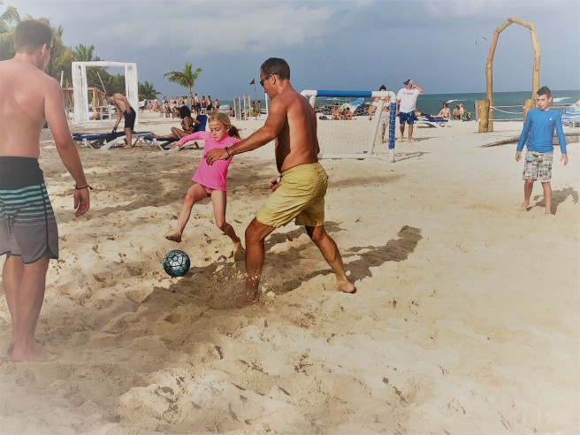 3.11.18 Playa_Azul Fives_Beach Soccer (6)