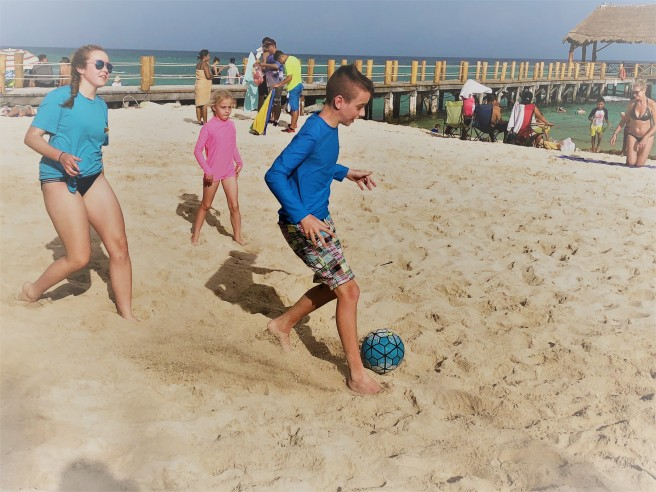 3.11.18 Playa_Azul Fives_Beach Soccer (9)