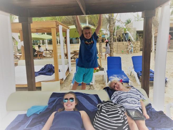 3.13.18 Playa_Azul Fives_Beach Cabanas (1)