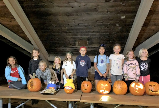 10.27.18 Reece Soccer Hayride Pumpkin Carving (7)