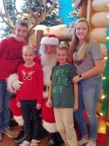 11.24.18 kids tree decorating & Santa (13)